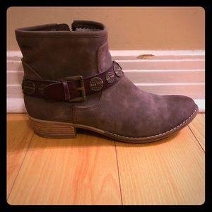 Roxy boots!