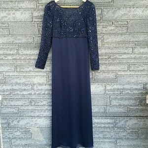 Kay Unger navy formal gown size 8 NWOT