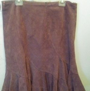 Sued asymetrical skirt