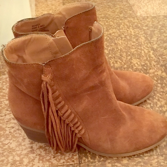 c4b8a29d4ff45 Kenneth Cole Reaction Shoes | Rowdy Boot Bootie 9 Fringe | Poshmark