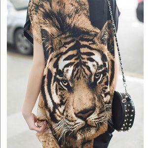 Dresses & Skirts - Tiger print loose dress