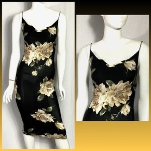 Valentine's Day Dark floral midi dress nwot SZ S