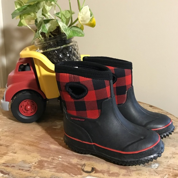the best big discount thoughts on Target Shoes | Boys Rain Or Snow Boots Like Bogs | Poshmark