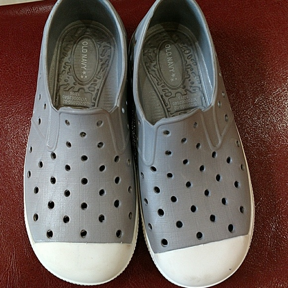 Old Navy Plastic Water Shoes   Poshmark