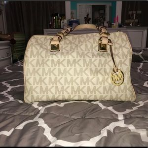 Micheal Kors Greyson Logo Satchel Authentic!