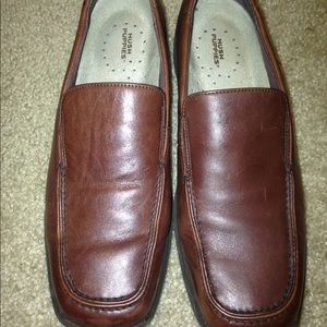Women's hush puppies loafers