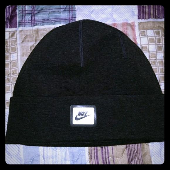 Nike Tech Fleece Beanie One Size Fits Most. M 5a282b4613302a033a041852 904c3ccb63c