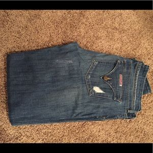 Hudson Jeans size 31 between skinny/straight fit