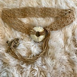 Banana Republic leather&mother of pearl shell belt