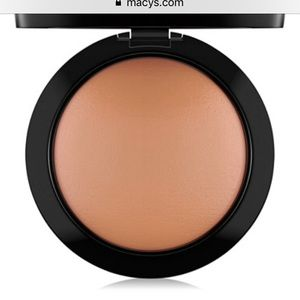 Mac mineralize skin finish in deep dark and dark
