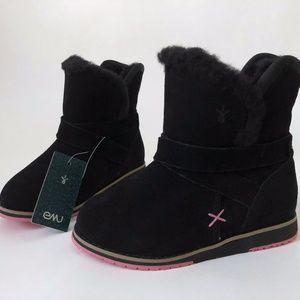 NWT Girls EMU Black Boots size 10 Satinwood Wool