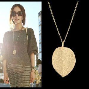 Jewelry gold color leaf design necklace