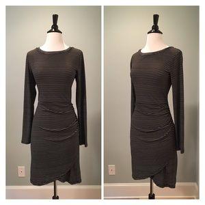 Dresses & Skirts - Like New Long Sleeve Dress