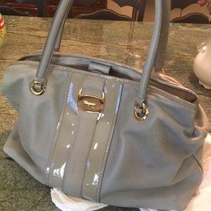 Ferragamo classic shoulder bag