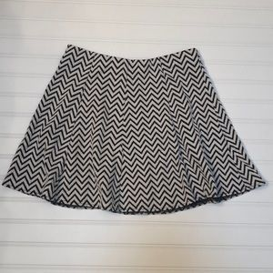 Aeropostale Zig Zag Brown Mini Skirt Size Medium