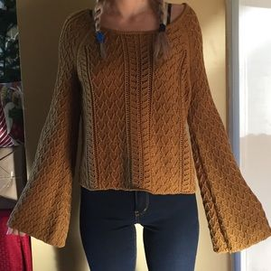 Tops - Knitted/crochet boho top w long wide flare sleeves