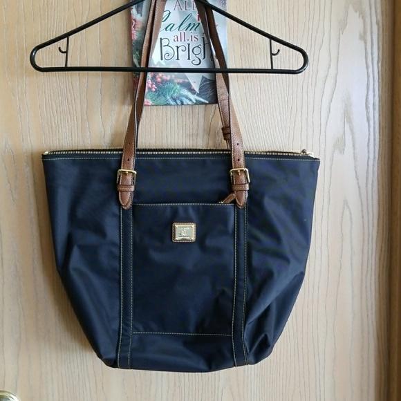699deb8807 Lauren Ralph Lauren Handbags - Lauren Ralph Lauren black tote