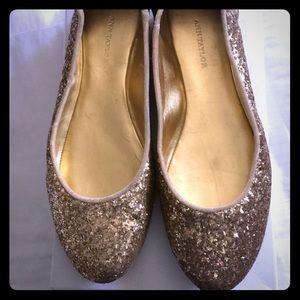 Gold glitter Ann Taylor ballet flats size 8