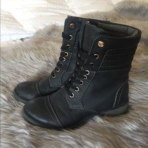 👢 Roxy Boots! 👢