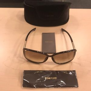 TOM FORD SUNGLASSES AUTHENTIC NEW WITH VELVET CASE