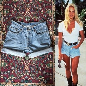 90s Levi's Light Washed Denim Shorts