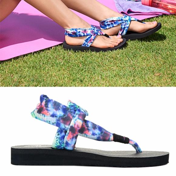 yoga foam skechers sandals