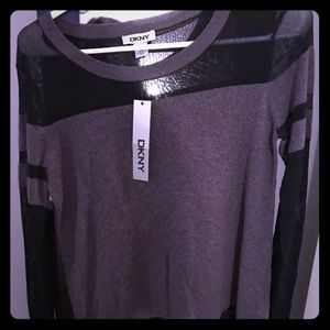 DKNY SWEATER NEW WITH TAGS $89 regular size xs