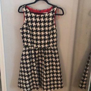 Jessica Simpson houndstooth dress size 6