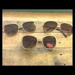 Bundle of 3 sunglasses