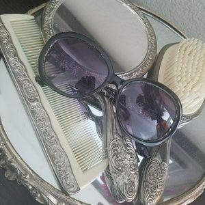 Betsey Johnson Glitter sunglasses