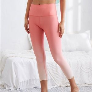 Aerie Move High Waisted 3/4 Crop Leggings