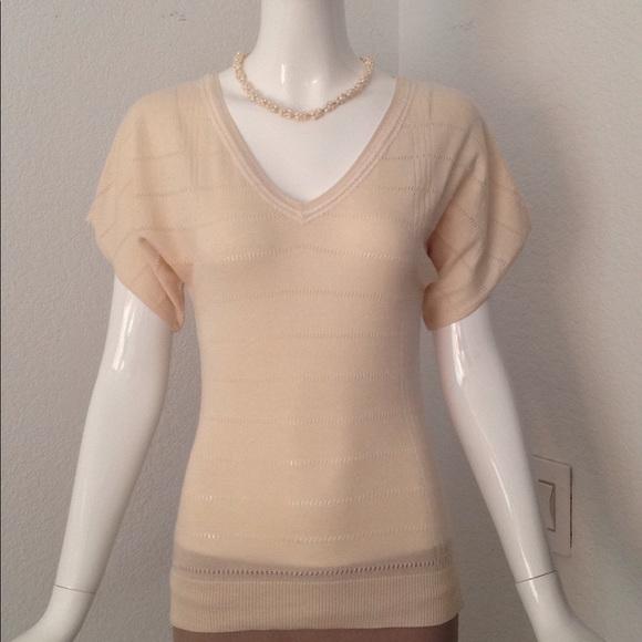 5b2c7202e90 Theory v neck cream sweater. M 5a287754f739bc607905552e