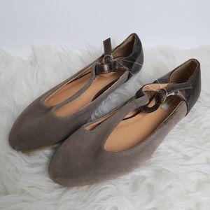 Urban outfitters Kimchi Blue Flats 6 Pleated Suede