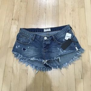 [One Teaspoon] Cut Off Distressed Shorty Shorts
