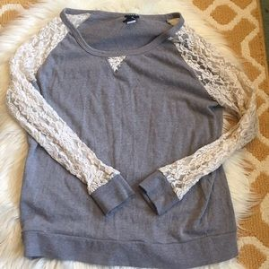 torrid top with lace sleeves size 0X