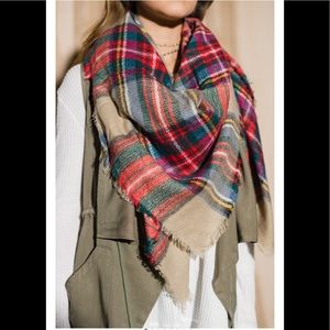 Accessories - Patterned blanket scarf