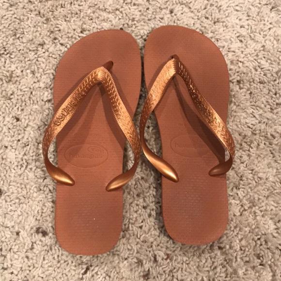 ed61e72d9 Havaianas Shoes - Havaiana Bronze Flip Flops size six women s