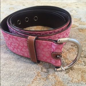Pink Coach belt with silver buckle