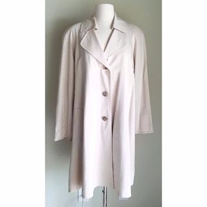 🆕 Gallery Silky Cream Shimmer Swing Trench Jacket