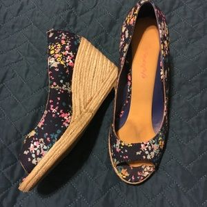 Boden floral peep toe wedge. Size 6.