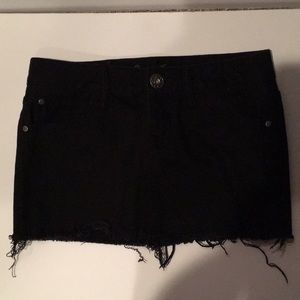 Guess Jeans Black frayed Mini skirt W 27