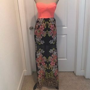 2b Bebe Strapless Coral Floral Maxi Dress