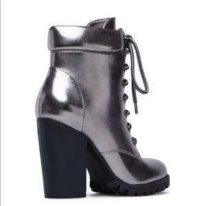 ShoeDazzle Shoes - ShoeDazzle Jovanna bootie gunmetal Gray sz 7.5