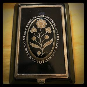 Beautiful Vintage Mirrored Compact