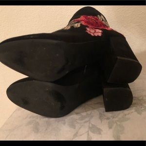 JustFab Shoes - JustFab black embroidered rose Jacinta booties 7.5