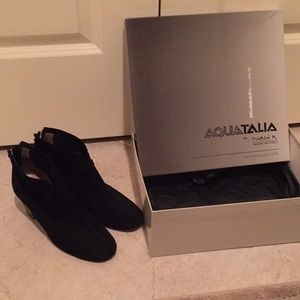 Aquatalia black suede booties!