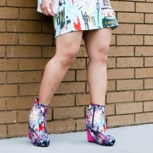 Shoes - Fantasy Art Ankle Wedge Boots