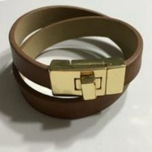 NWOT Banana Republic Leather Wrap Bracelet