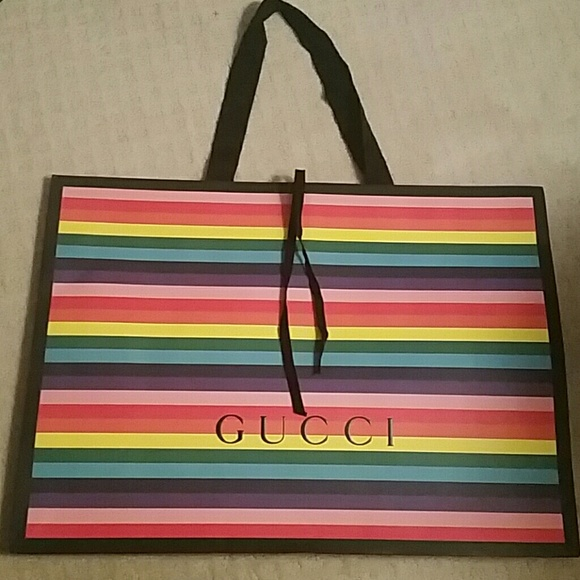 3ead051d736 Gucci Handbags - Gorgeous NEW Large GUCCI paper bag