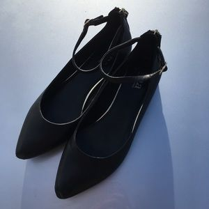 ANA Black pointed toe flats with ankle strap 8